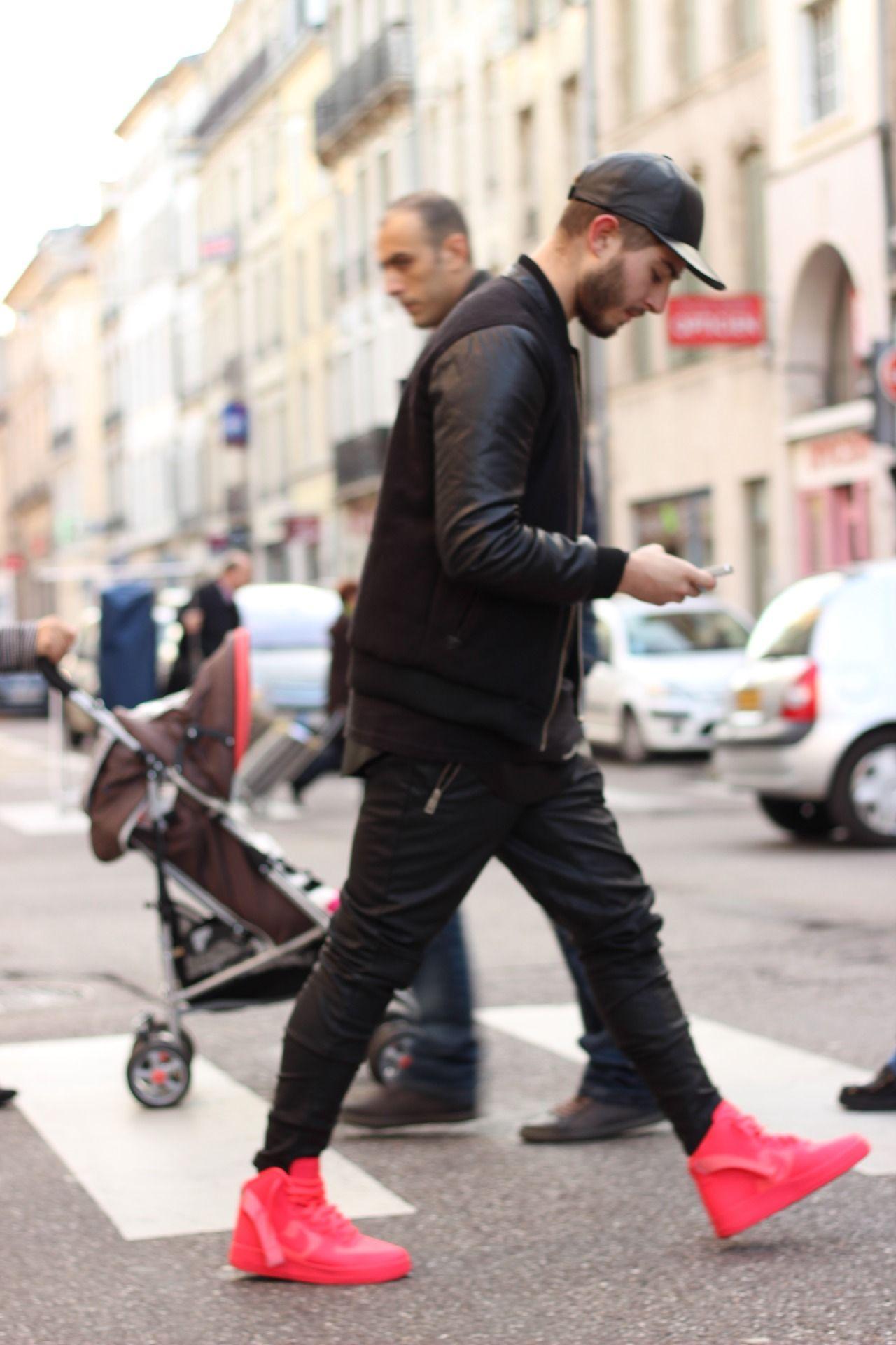 Street & Luxury at BLVCKZOID ALLEYN Confident dude