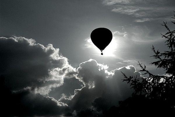 60 inspiring examples of black and white photography hot air balloons black white photography and black white photos