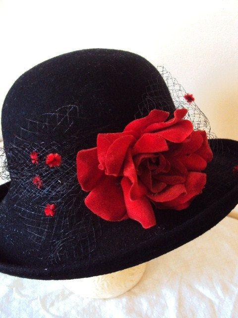 0847dbd329dc3 Vintage Wool Felt Hat Millinery Flowers Red Rose and Netting Black ...