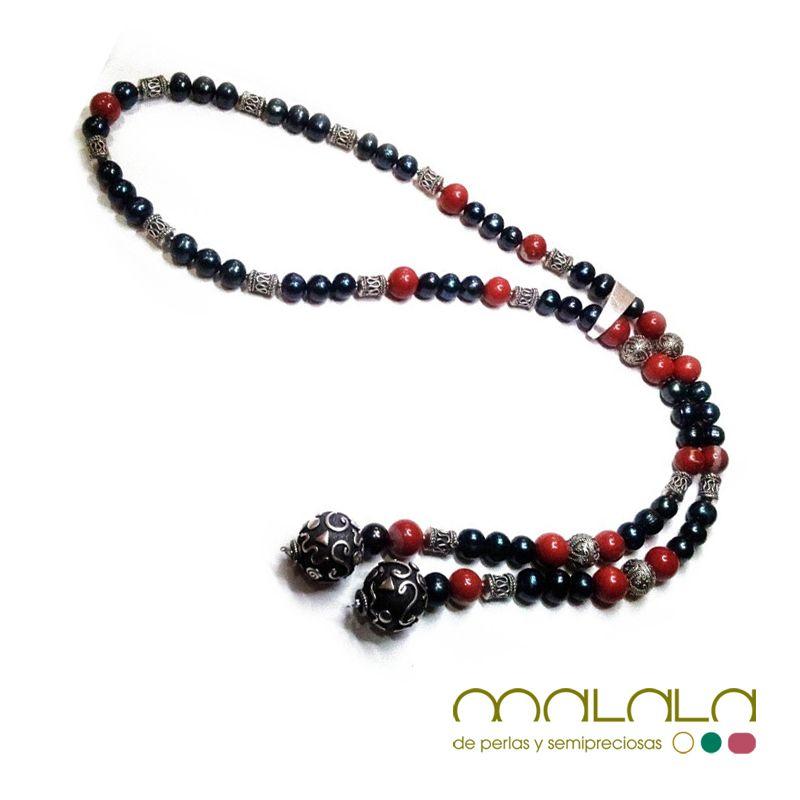 #collar con #perlas cultivadas color petróleo, #jaspe rojo y piezas de #plata de Birmania. Disponible en tienda online. #necklace #accesorios http://malalam.myshopify.com/collections/collares-2/products/taim-397?variant=214278104