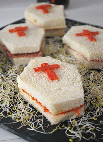 Casket-shaped sandwiches - elpucheretedemari #halloween