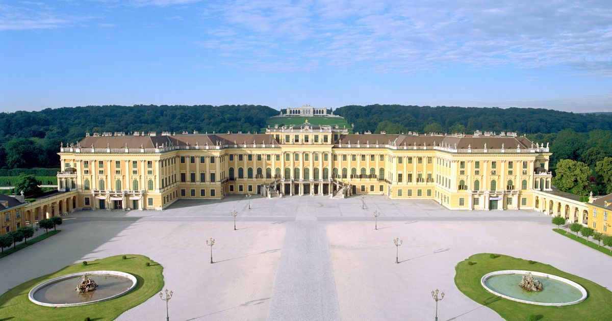 Take A Virtual Tour Through The State Rooms Of Schonbrunn Palace