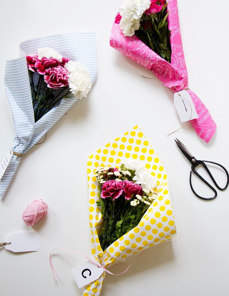 How Fun Are These Diy Flower Bouquets I Picked Up All Gorgeous Flowers At Bloomy Days My Go To In Berlin And Wred Them Amazing