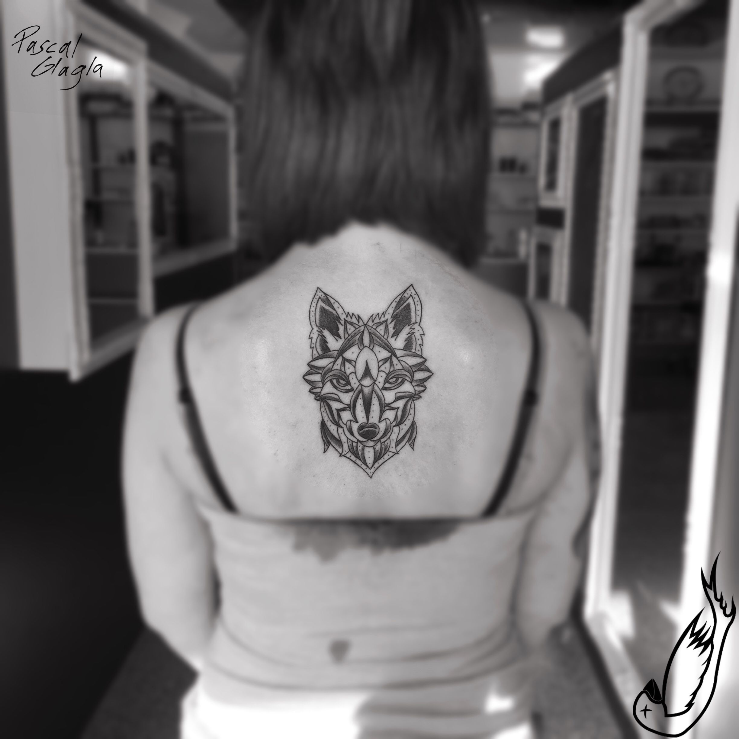 Wolf Fox Fuchs Mandala Tattoo Women Falling Bird Tattoo Studio Tattoos Tattoos For Women Birds Tattoo