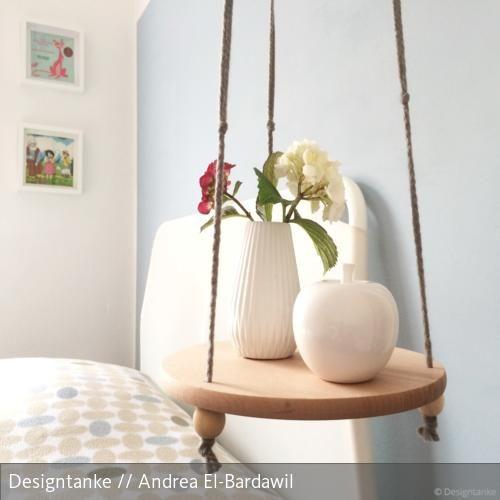 hanging table f r kleine r ume dekoration pinterest nachttisch schlafzimmer und tisch. Black Bedroom Furniture Sets. Home Design Ideas
