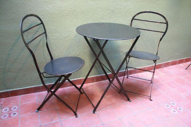 Fotos de juego 1 mesa y 2 sillas quilmes de hierro plegables ...