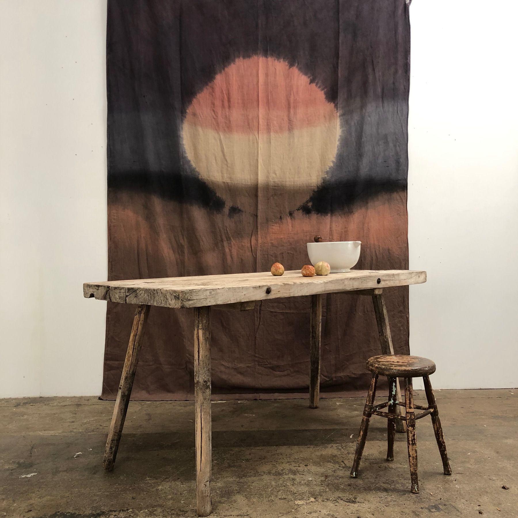 Bleached Primitive Table Objet