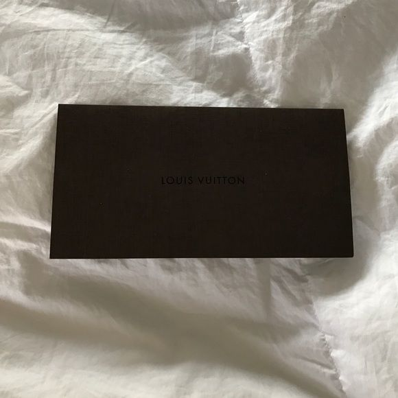 Authentic Louis Vuitton receipt holder Perfect condition! 100 - make a receipt free