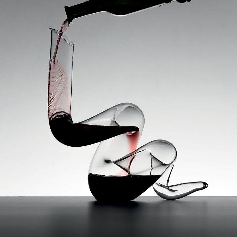 10 Unique Modern Wine Decanters This Fine Crystal Decanter Is Both Functional And Sculptural And Would Make A Gorg Grafin Vina Stolovaya Posuda Vinnyj Dizajn