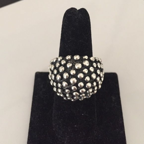 ⬇️PRICE LOW⬇️⬇️925 BEST SILVER UNIQUE RING One of a kind NOTICE  Prices are negociable but please be considerate due to PoshMark fees are 20%  OFFER button is always the best  BUNDLES receive great discounts   Same day SHIPPING  No trades, No holds, No paypal Jewelry Rings