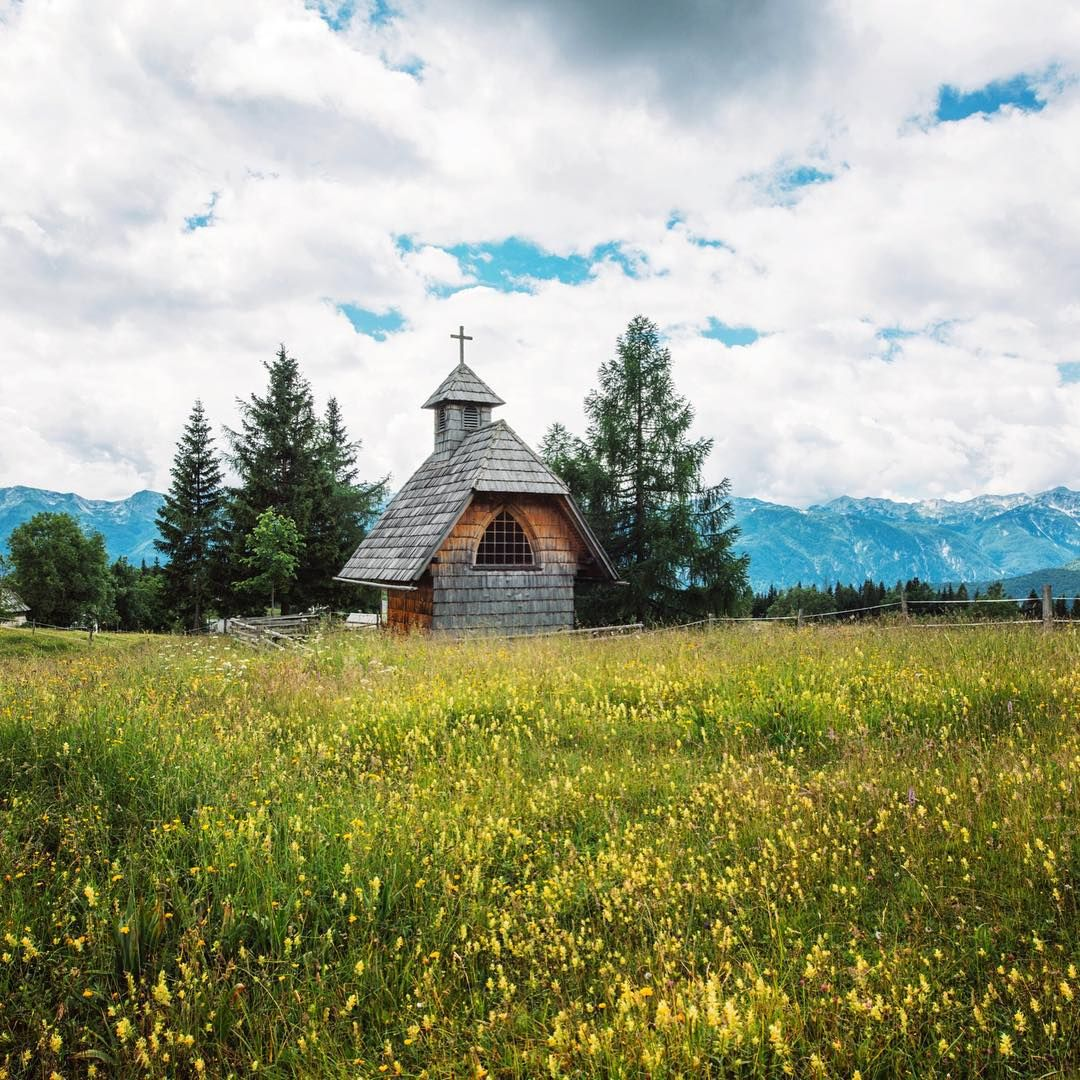 """Wooden church at Uskovnica, Pokljuka. #igslovenia #mountains #nature #landscape #outdoors #outdooradventurephotos #mountains #alps #livefolk…"""