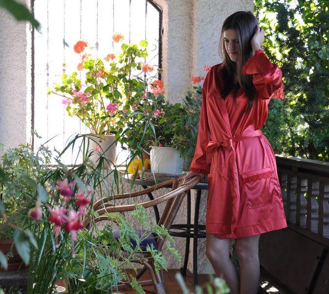 Roter Seidenkimono - Nachtwäsche selbst genäht Buchrezension #lifestyle…