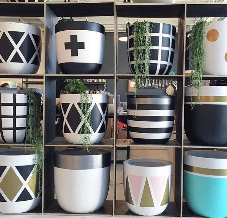 Love These Pots By The Design Twins S T Y L I N G Pinterest - Diy two tone painted pots