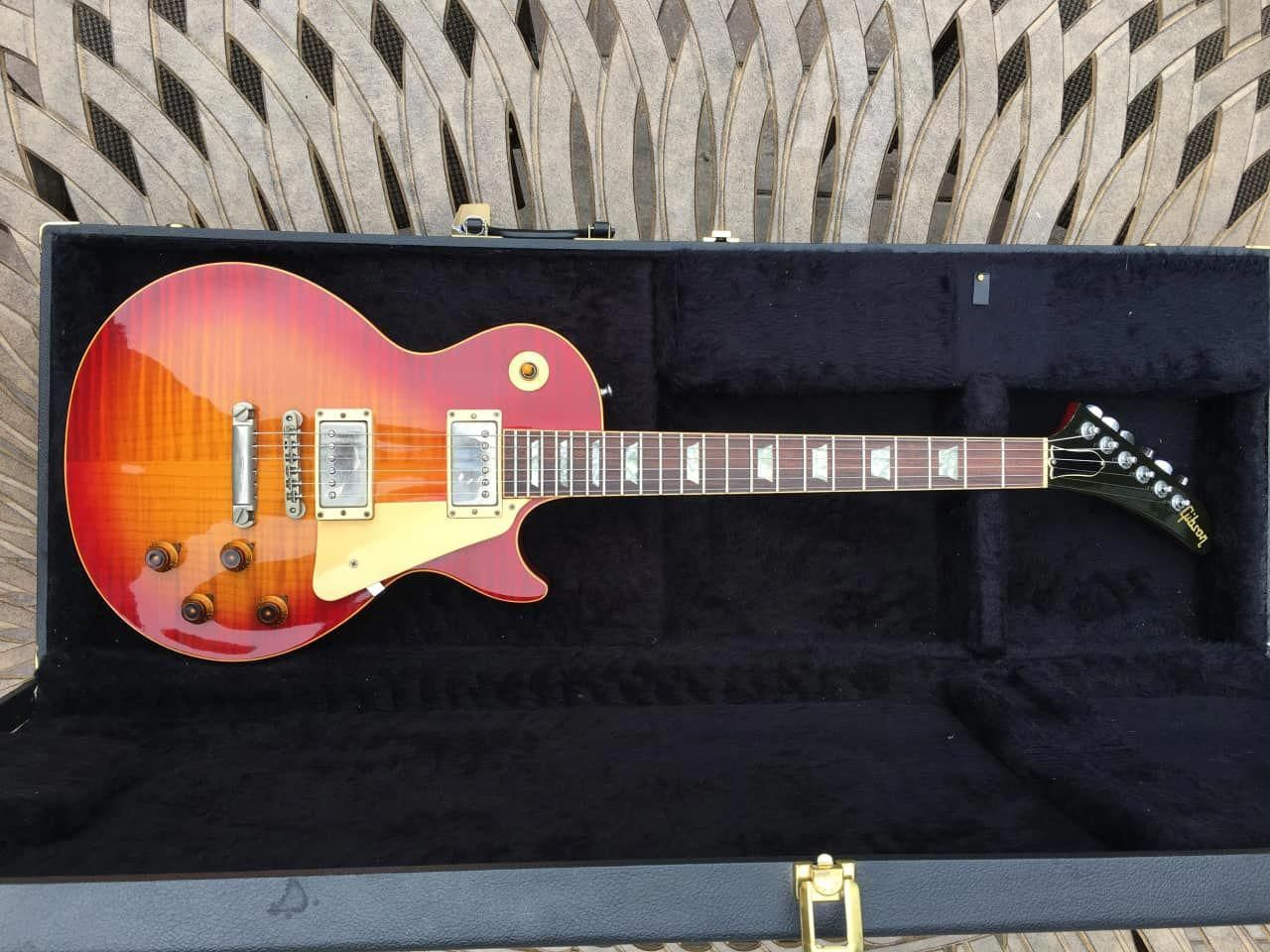 I Really Love This Customgibsonguitars Best Guitar Players Gibson Les Paul Guitar