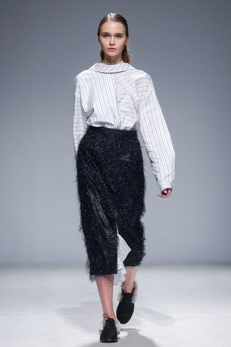 The complete Anouki Kiev Fall 2016 fashion show now on Vogue Runway.