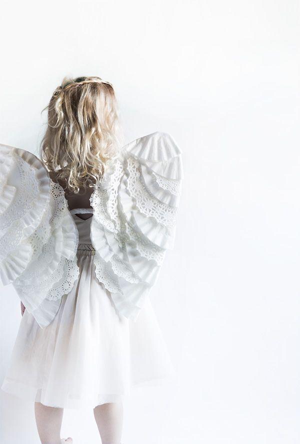 DIY Angel Wings (Say Yes) Diy angel wings, Diy angels and Angel wings - angel halloween costume ideas