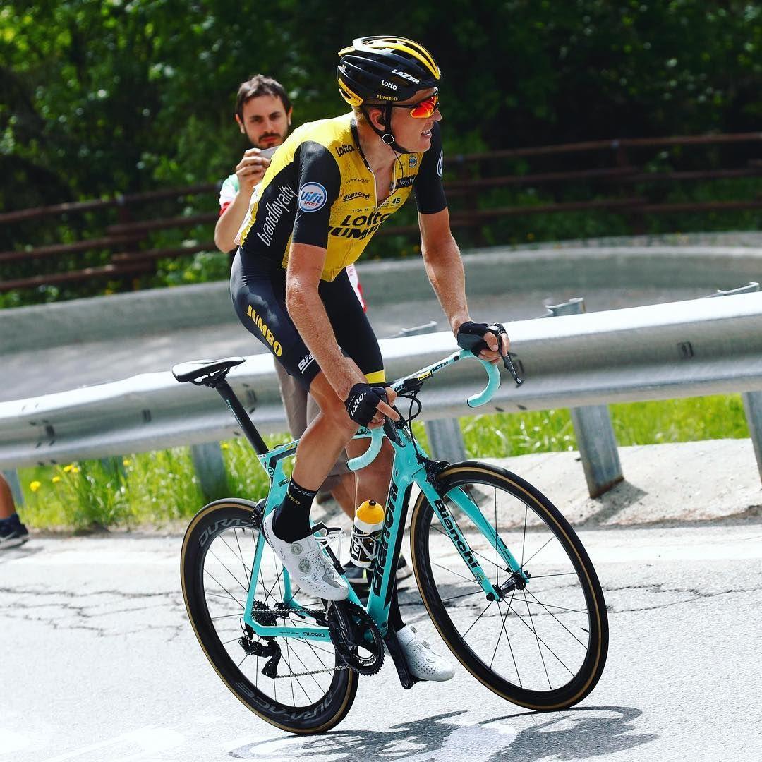 Épinglé par Andy Lam sur Bianchi Cyclisme
