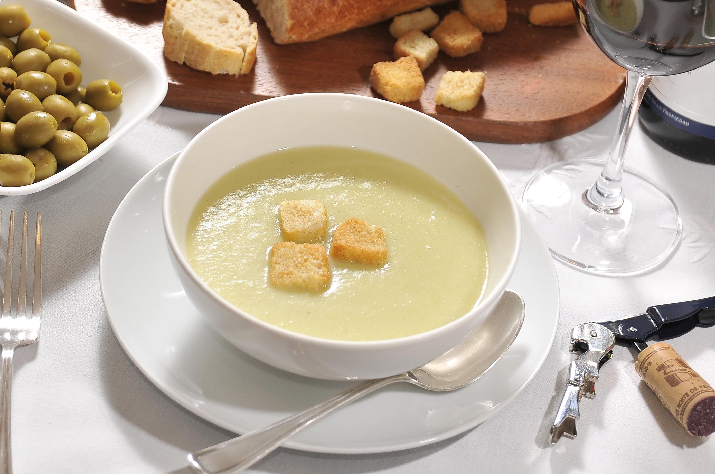 Sopa de apio cocina y comparte recetas de for Cocina con alegria