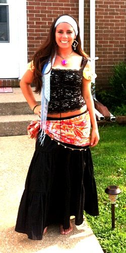 Homemade gypsy costume! Canu0027t decide what I want to be this year... This would be so easy to put together!  sc 1 st  Pinterest & Homemade gypsy costume! Canu0027t decide what I want to be this year ...