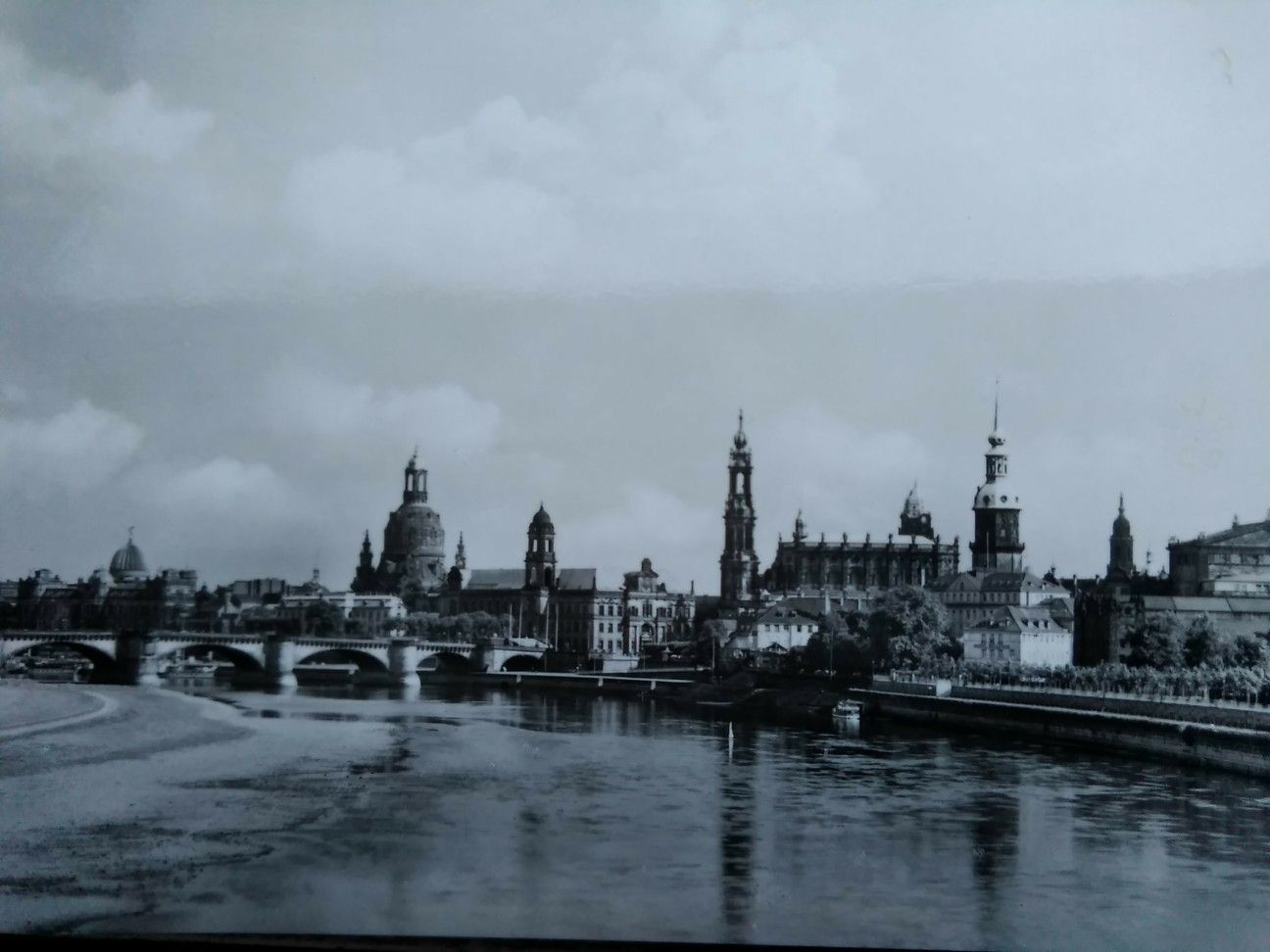 Dresden Altstadter Elbufer V D Marienbrucke Vor 1945 Dresden Geschichte Fotos