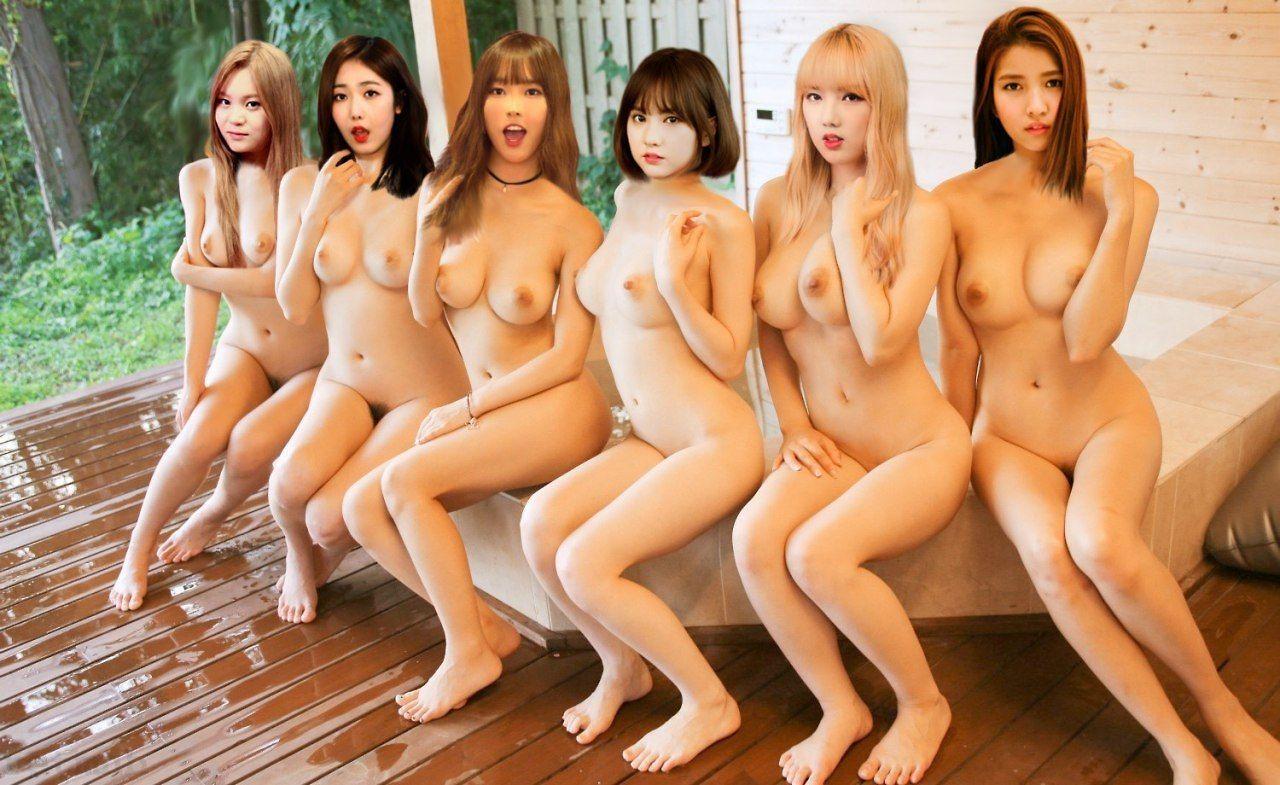 Gorgeous nude gravure girl