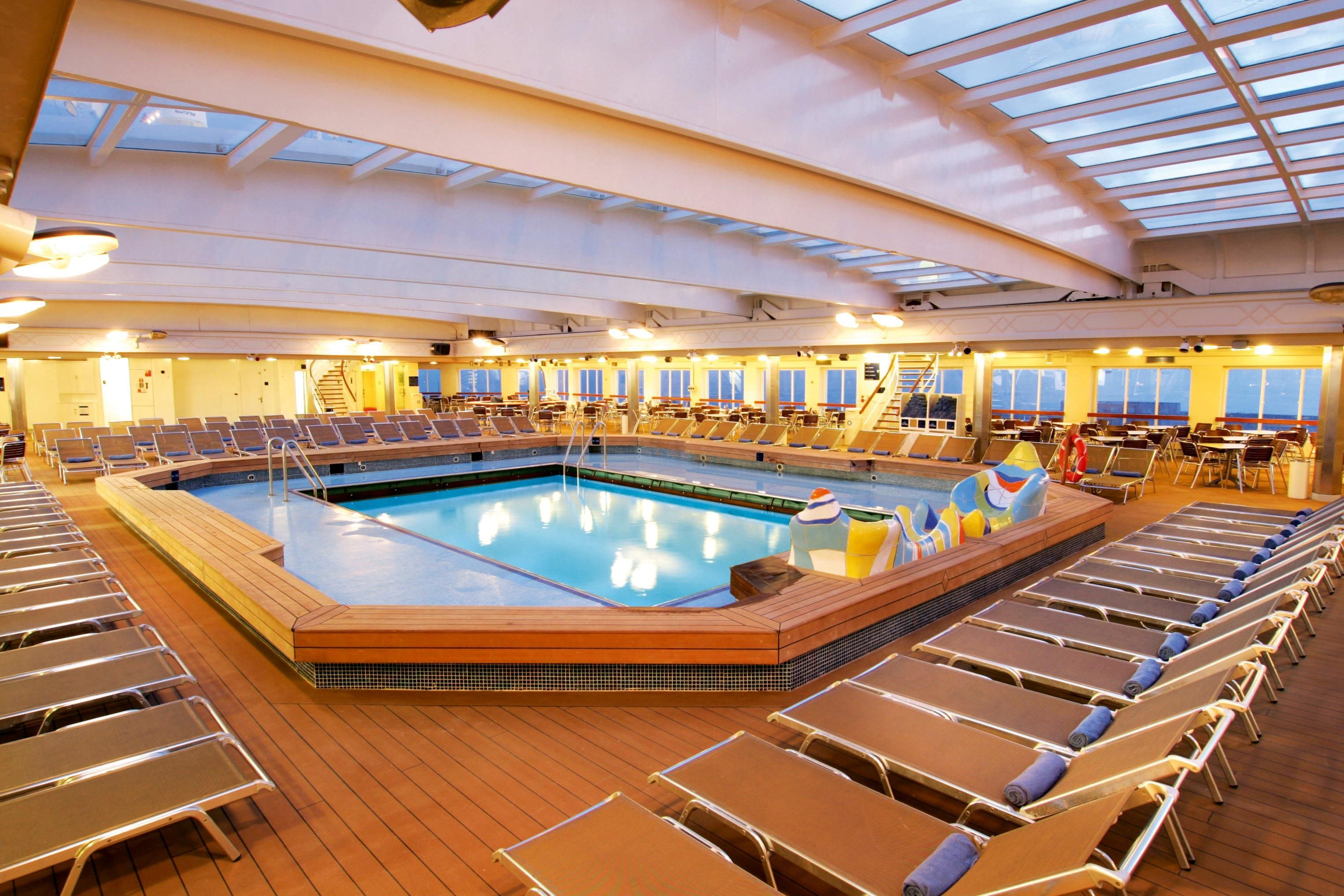 The Indoor Pool On The Thomson Dream Thomson Cruises Pinterest - The thomson dream cruise ship