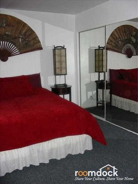 1550 Fully Furnished Master Bedroom With Private Entry Door Los Angeles Ca 90034 Room Rooms For Rent Shared Rooms