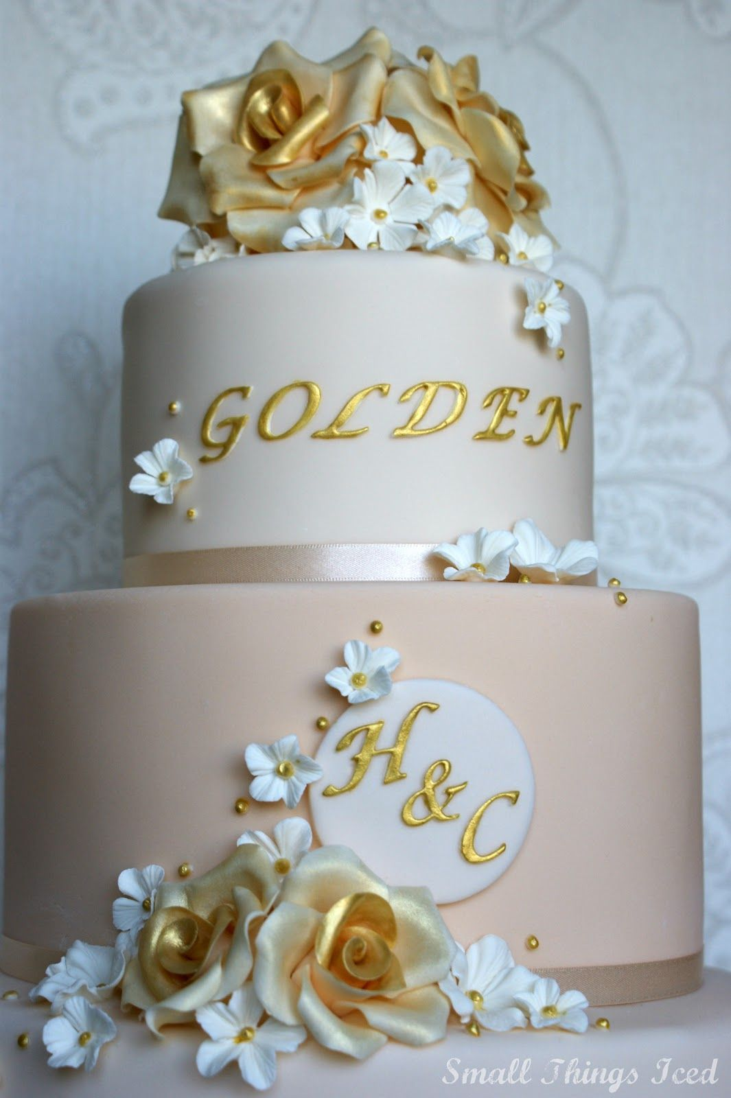petal fans cakes | Each rose was dusted with edible gold dust ...