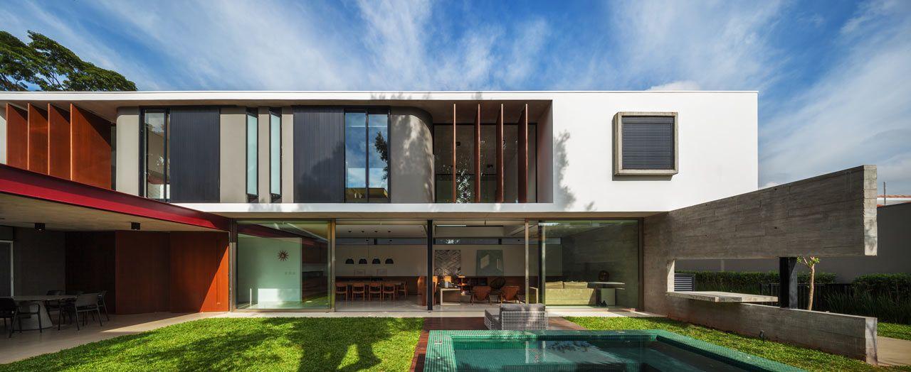 una casa urbana con estilo brasileo estudio de y en barcelona