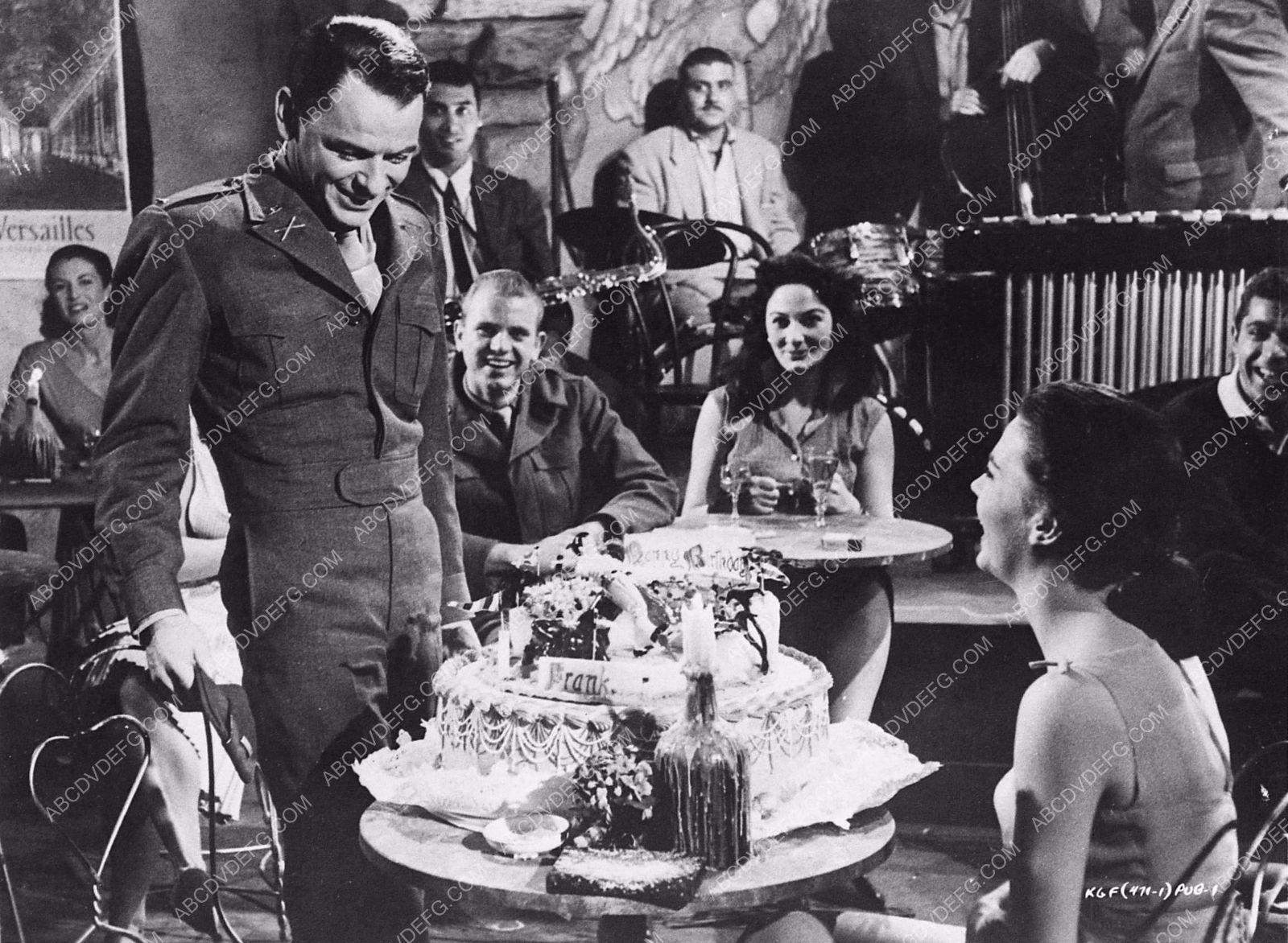 Photo Natalie Wood Candid Frank Sinatras Birthday Cake Behind The