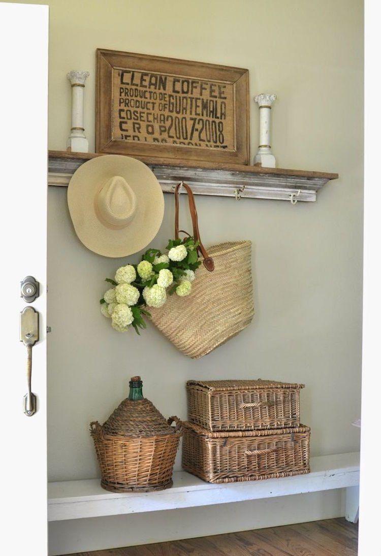 Flurgestaltung Im Vintage Stil Und Dekoration Mit Weidenkorben