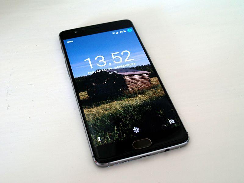 128 GB ROM Smartphones