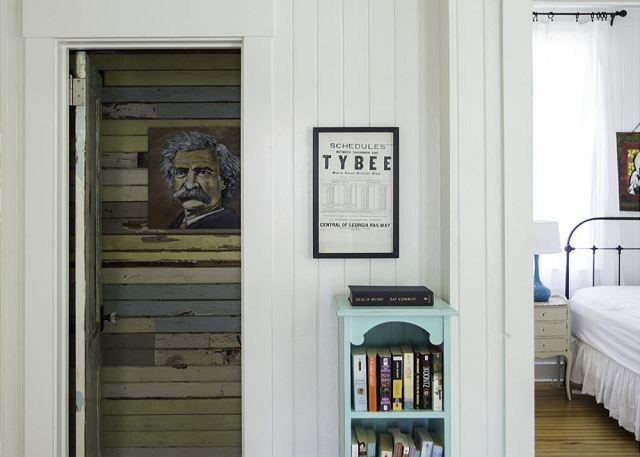 Einstein in a planked bathroom! Kind of hilarious, totally fabulous.