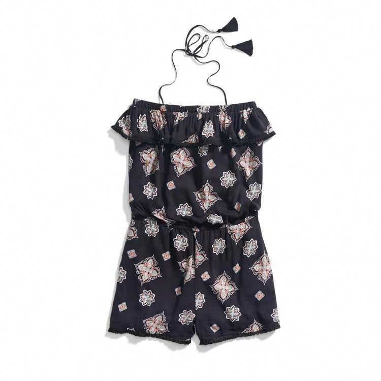 **** Get this romper in your Stitch Fix April 2017 box! In Love with this gorgeous printed tassel tie romper.  Adorable for a put together on the go look.  Get great looks just like these from Stitch Fix today! Stitch Fix Fall, Stitch Fix Spring, Stitch Fix Summer 2016 2017. Stitch Fix  Spring Summer fashion. Resort Wear #StitchFix #Affiliate #StitchFixInfluencer #stitchfix