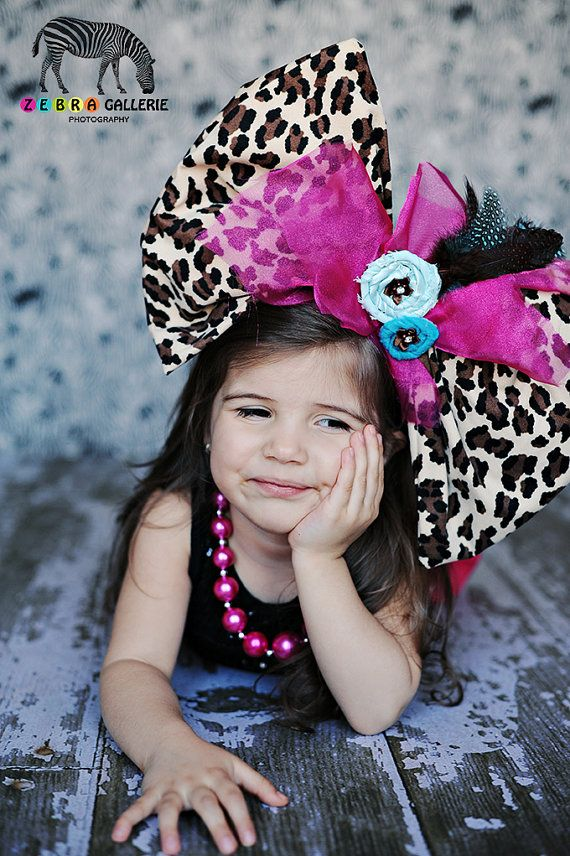 Super Giant Bow Doris By Moonoverthetop On Etsy 39 00 Giant Bow Big Bows Bows