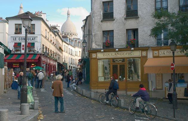 Quartier Montmartre Montmartre Is A District Full Of Authentic
