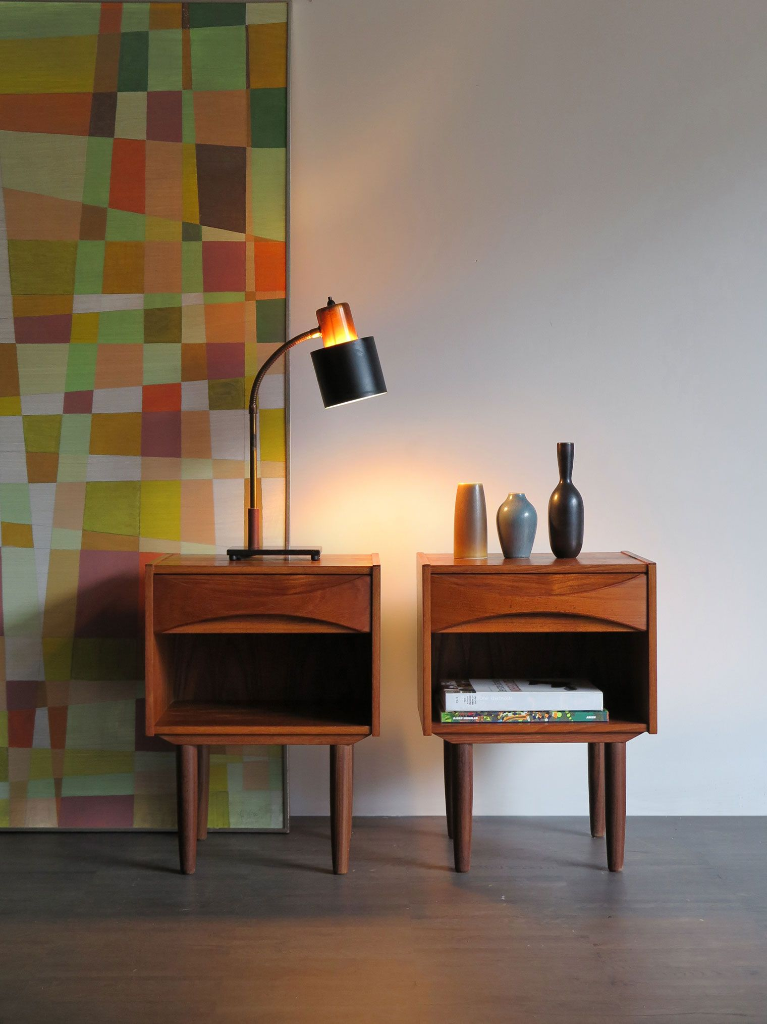 Comodini Danesi In Teak Disegnati Da Arne Vodder Anni 50 Lampada Danese Da Tavolo Modello