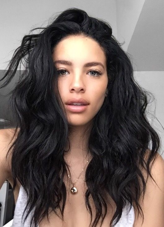 Shoulder Length Black Wavy Hairstyle For Women Hair Color For Black Hair Hair Styles Wig Hairstyles