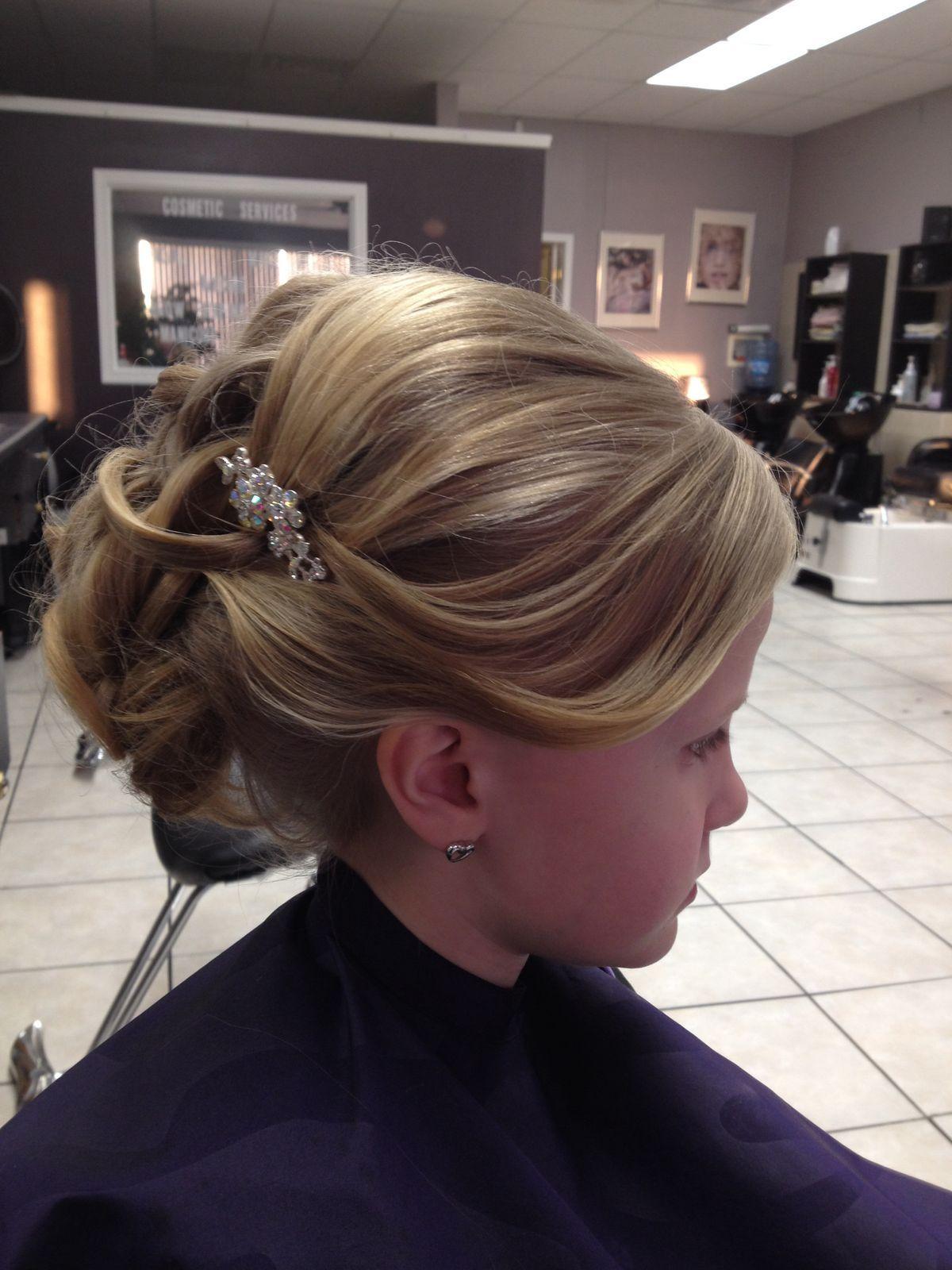 648ca2c1fb7e202096a0102f07178a22 Jpg 1 200 1 600 Pixels First Communion Hairstyles Communion Hairstyles Hairstyle