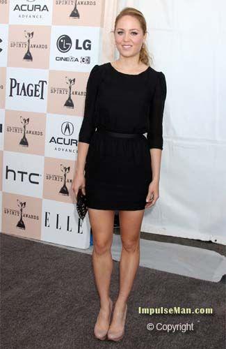 erika christensen showing legs in black dress and heel | MyBoard ...