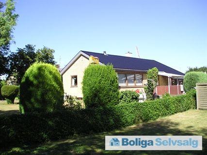 Mosevej 9, 6430 Nordborg - Murstens villa i gule sten #villa #nordborg #selvsalg #boligdk #boligsalg