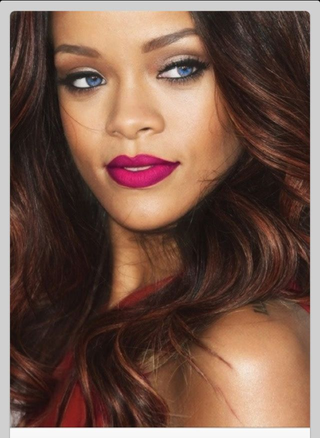 Rihanna's makeup in this pic is perf and her hair is A gorgeous colour
