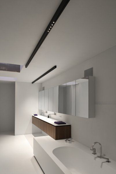 white bathroom with black Kreon NUIT surface mounted LED downlight ...
