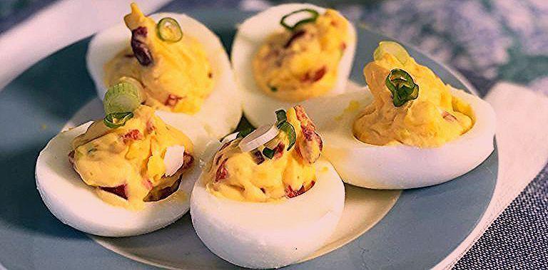 How to Make Deviled Eggs #deviledeggsrecipe How to Make Deviled Eggs #deviledeggs