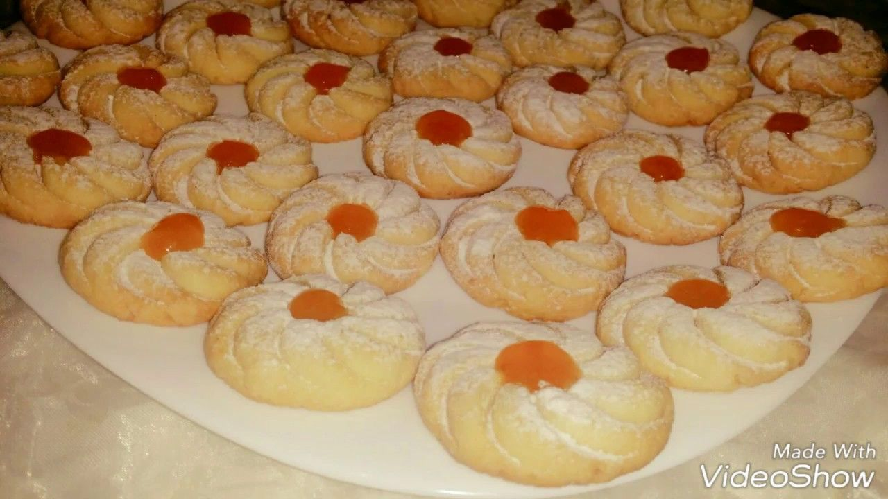 حلوى بدون بيض بنكهة الحامض إقتصادية سهلة التحضير حلويات العيد East Dessert Food Desserts