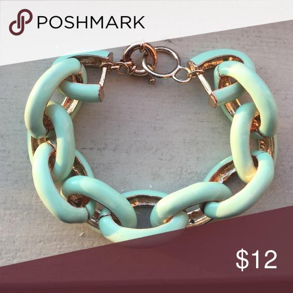Gorgeous mint green bracelet Gorgeous mint green bracelet. Brand new. 💗 Jewelry Bracelets