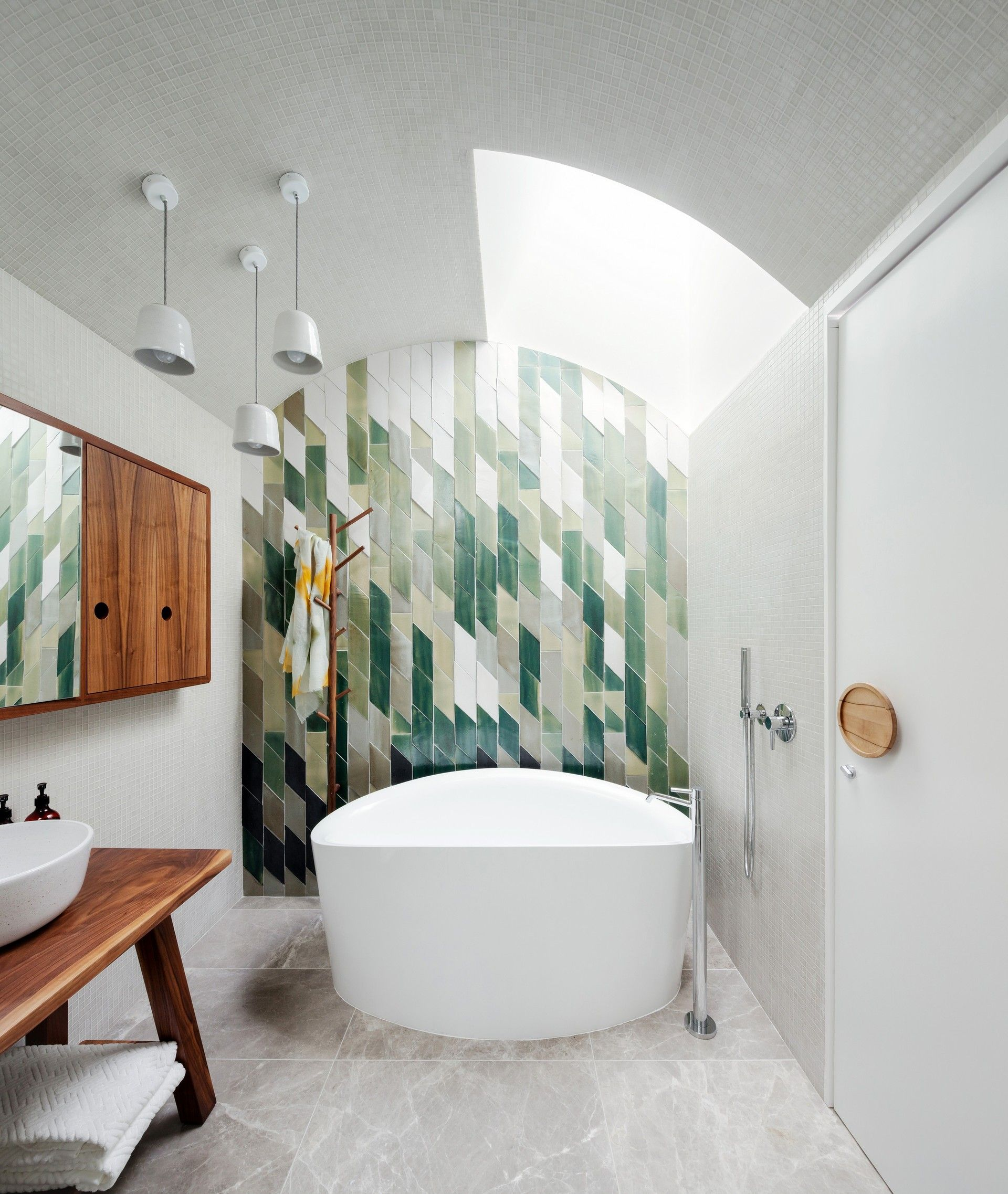 by day bukh architects modern bathrooms pinterest deco salle