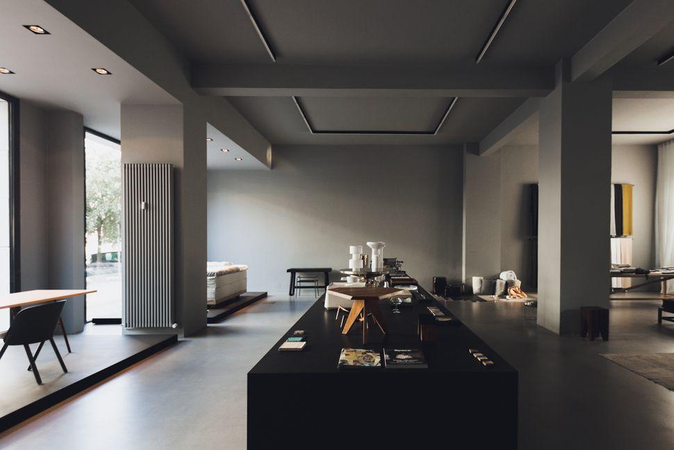 enAndreas Murkudis · Berlin Interiors, Store and Square meter - designer mobel salz amma