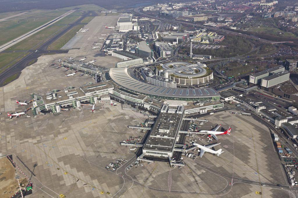 Dusseldorf Airport Hochtief, Flughafen, Flugzeug