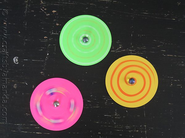 Make Recycled CD Spinners from CraftsbyAmanda.com @Amanda Formaro #recycledcd